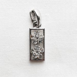 90s vintage: floral pendant